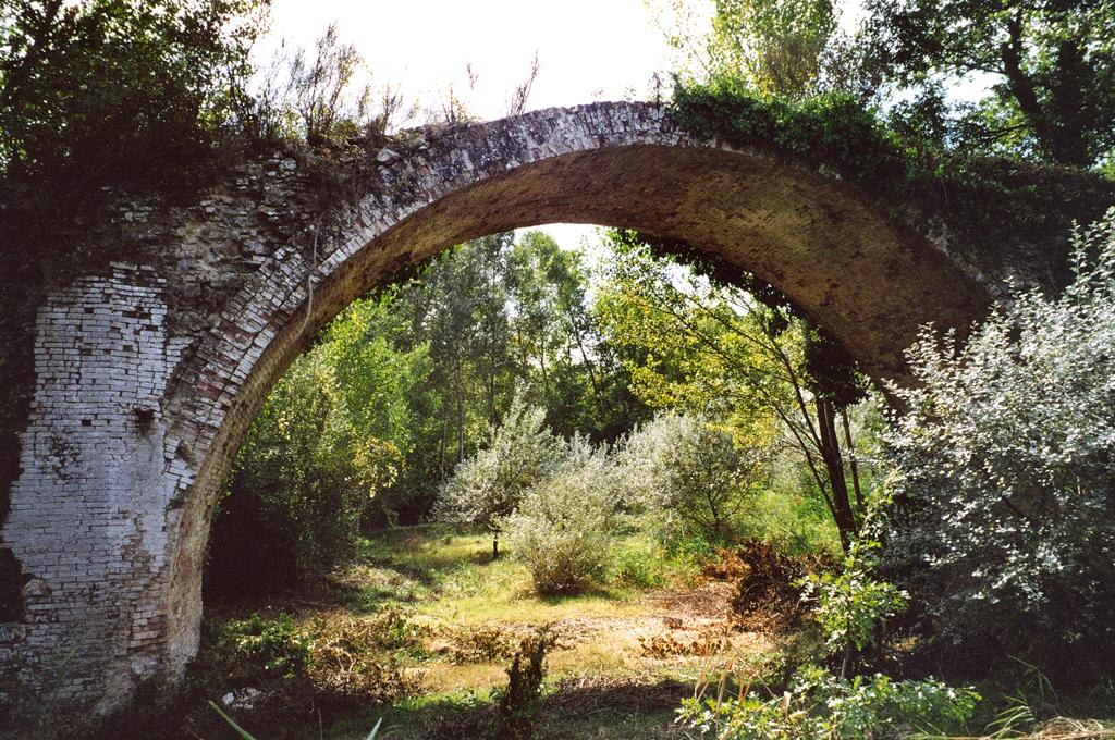 Foto: Il Pontaccio, particolare del monumento
